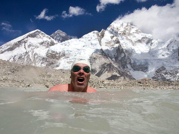 lewis-gordon-pugh-swim-adventure_21705_600x450