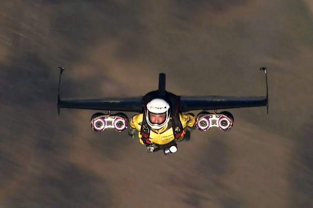 yves-rossy-jetman-test-flights-in-swiss-airspace-0