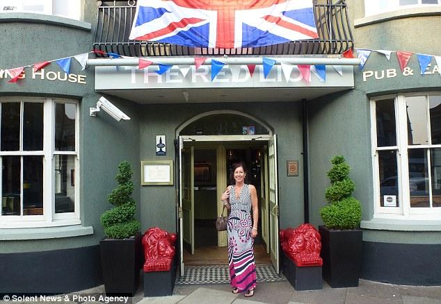 Crazy Cathy Red Lion pub crawl4