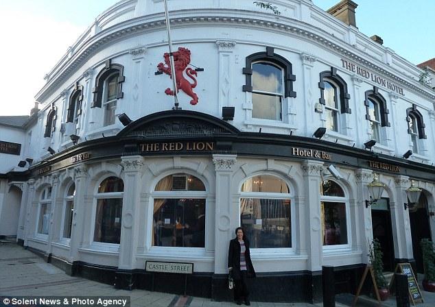 Crazy Cathy Red Lion pub crawl5