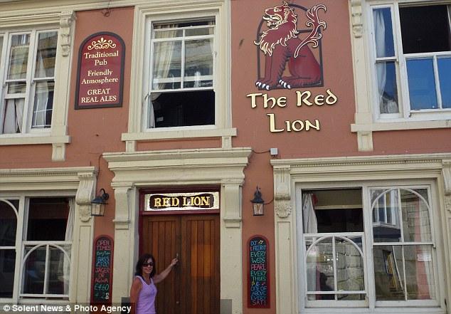 Crazy Cathy Red Lion pub crawl8