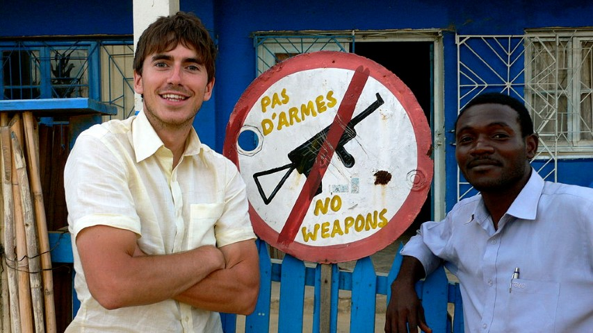 1024px-Simon_Reeve_in_-Equator- (Small)