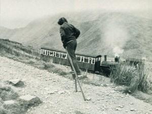 Emma Disley walks up Mount Snowdon on stilts1