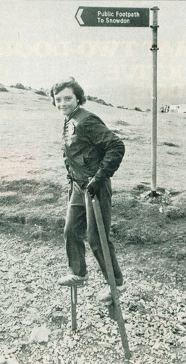 Emma Disley walks up Mount Snowdon on stilts2