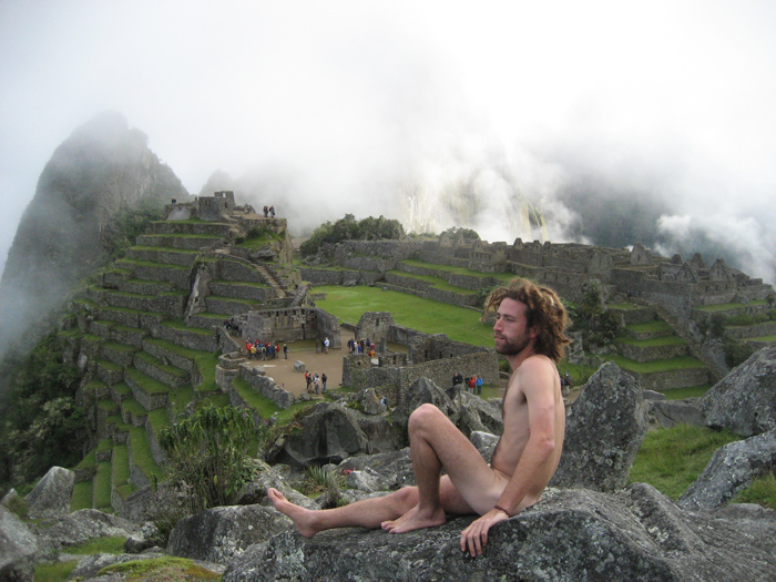 My Naked Trip: Amichay Rab gets his picture taken at Machu Picchu