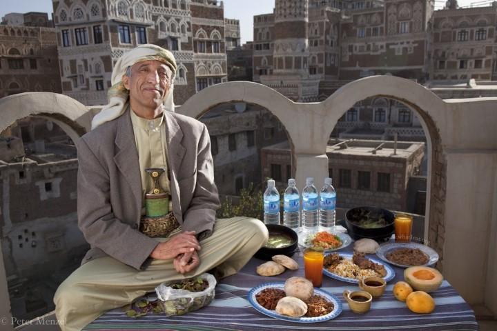 Ahmed Ahmed Swaid, qat merchant in Yemen (3,300 kcal) (Small)
