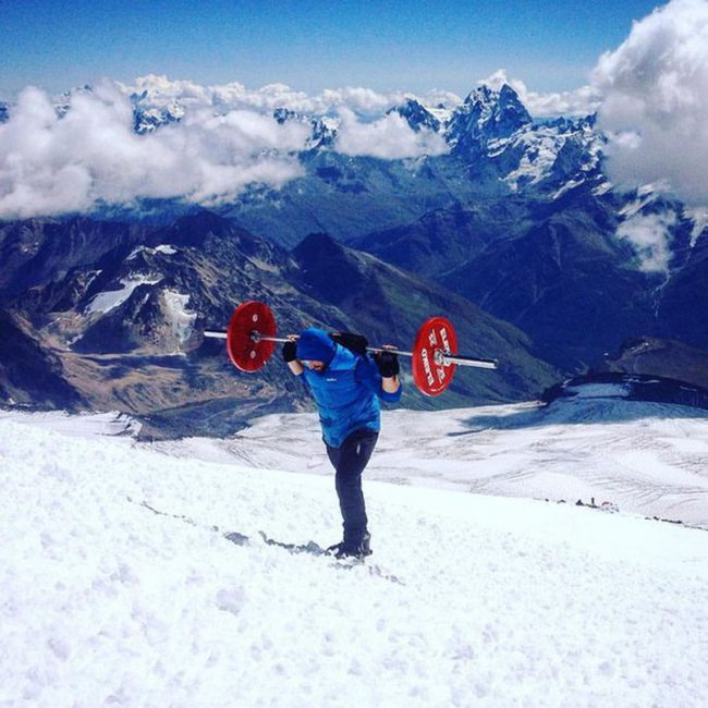 Andrey-Rodichev-Elbrus-with-Barbell2