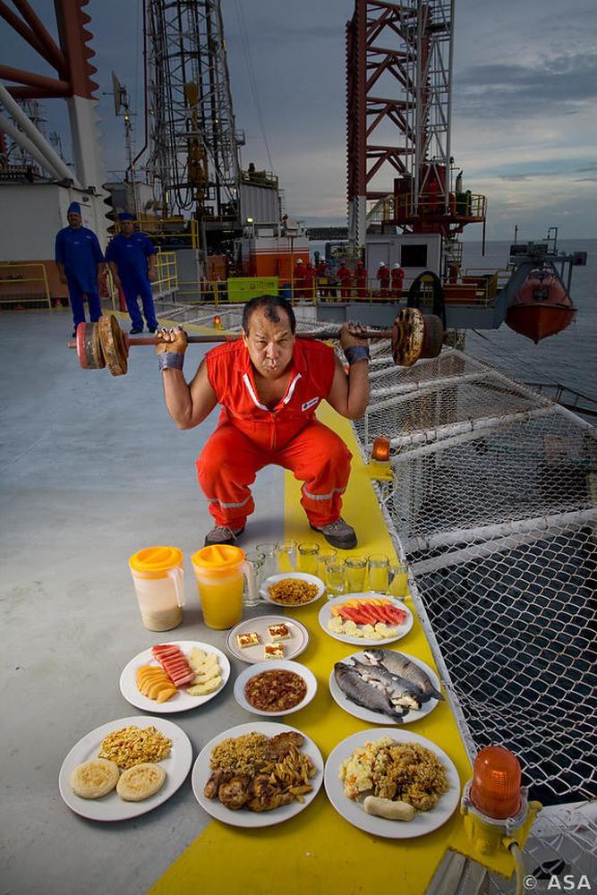 Oswaldo Gutierrez, Chief of the PDVSA Oil Platform in Lake Maracaibo, Venezuela (6000kcal)