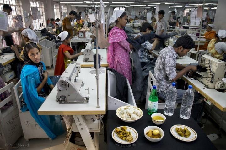 Ruma Akhter, factory seamstress in Bangladesh (1,800 kcal) (Small)