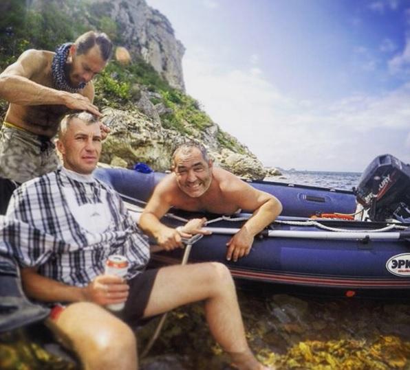 Motobarber - at the ocean1