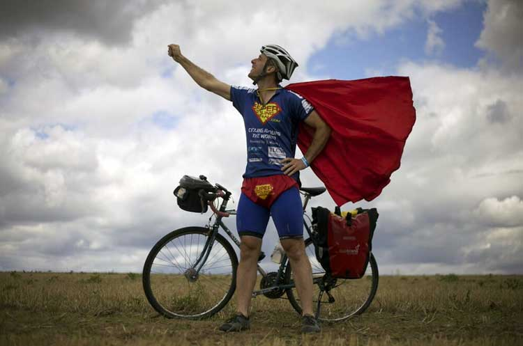 Supercyclingman - superman cycling Will Hodson