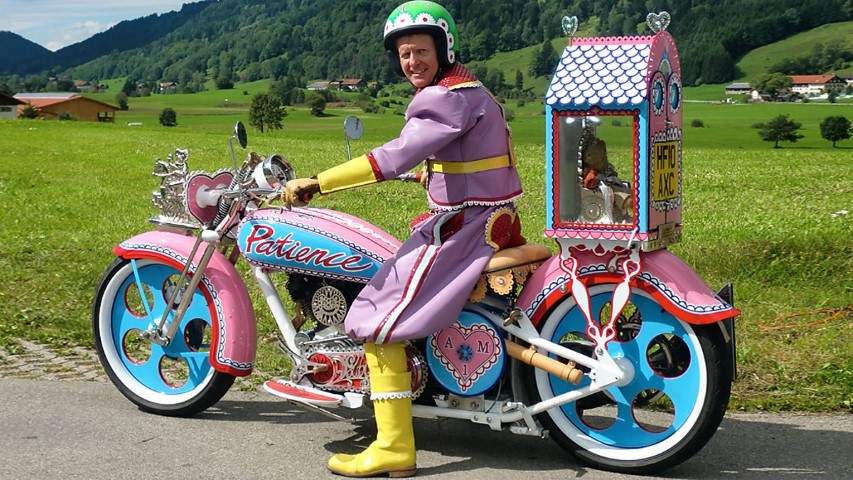 Grayson Perry pink motorbike 5 (Small)