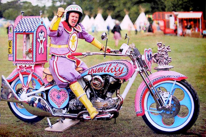 Grayson Perry pink motorbike pilgrimage (Small)