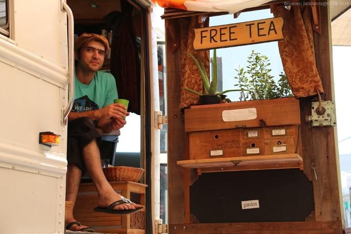 Tea bus traveling - Giuseppe Spadafora free tea party (9) (Small)