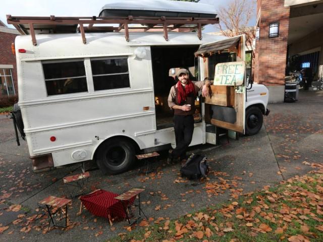 Tea bus traveling mobile teahouse (Small)