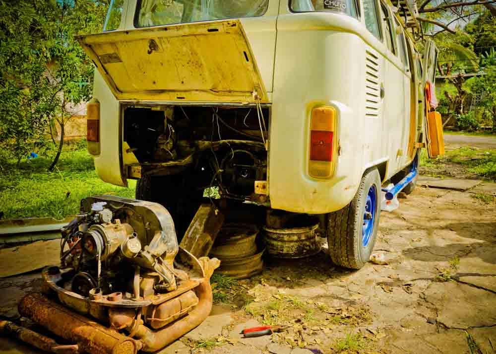 The Long Way Up - Hasta Alaska VW kombi roadtrip (engine repair)