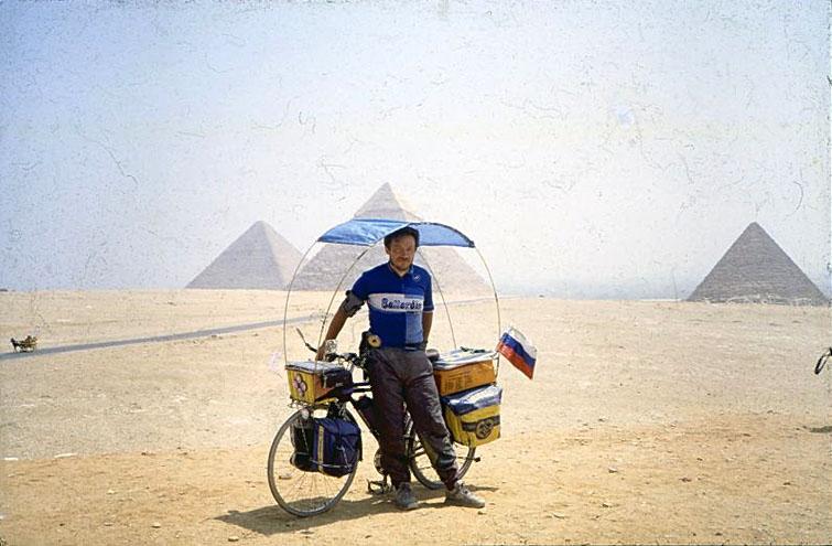 Vladislav Ketov cycling the edge of earth (1)