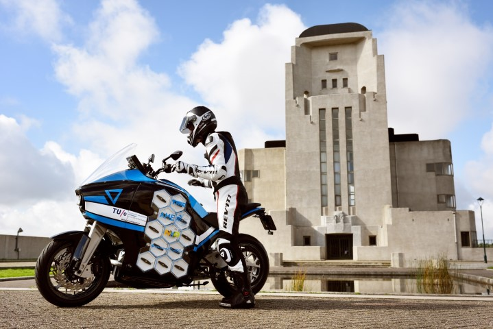 first-electric-touring-motorbike-storm-wave-small