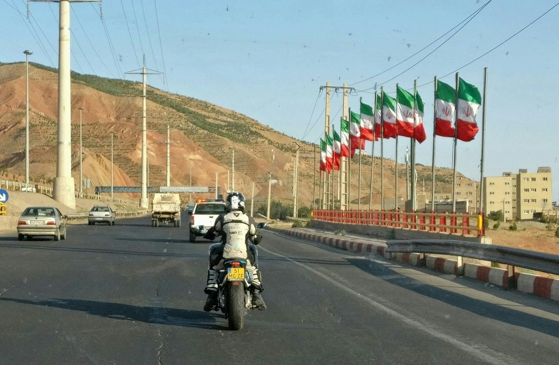 storm-wave-electric-motorbike-arriving-in-iran