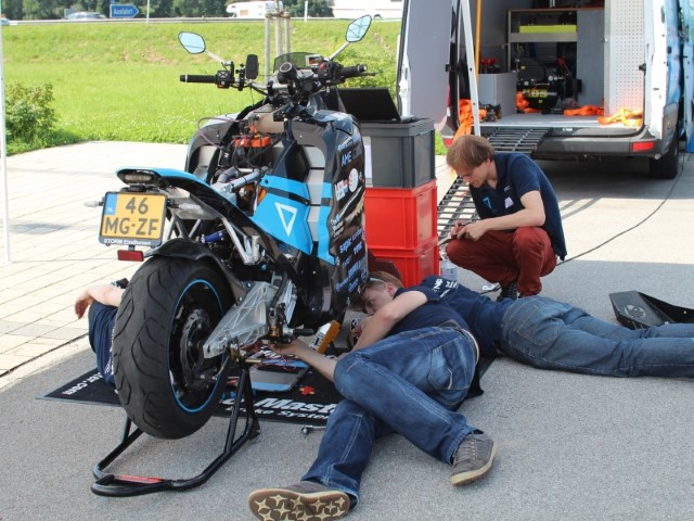 storm-electric-motorbike-technical-problems-in-vienna-small