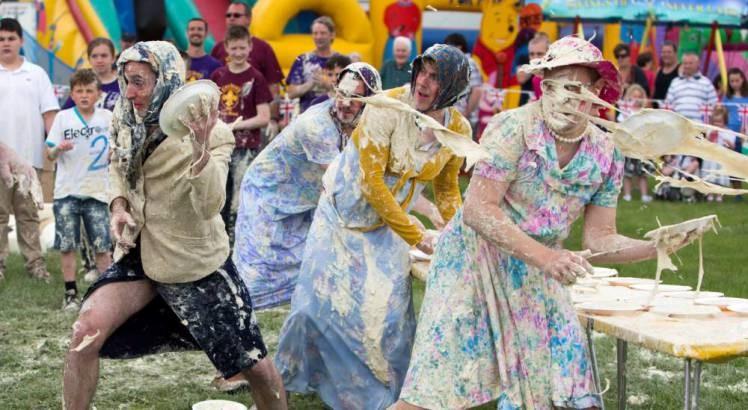 Top 10 Food Fight Festivals La Tomatina Battle Of The Oranges